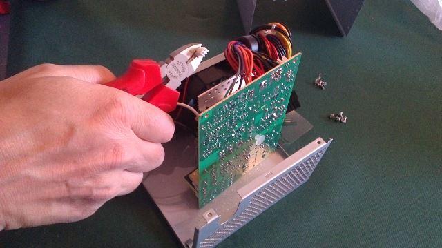PCB kantelen en connector afknippen